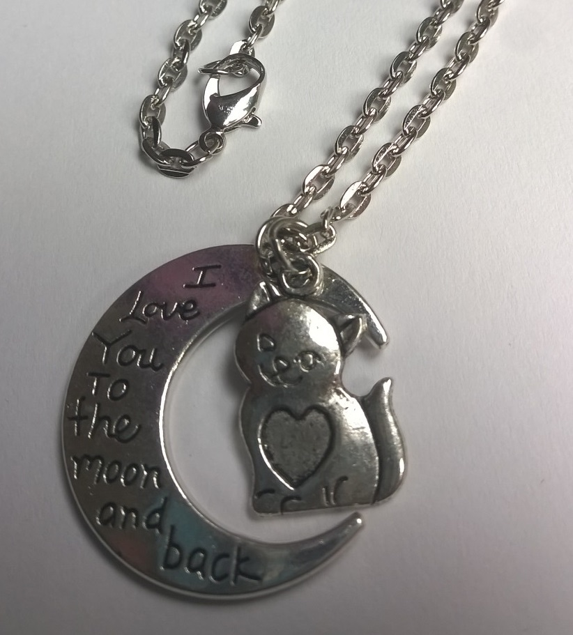 ketting met POES en MAAN met tekst; I love you to the moon and back
