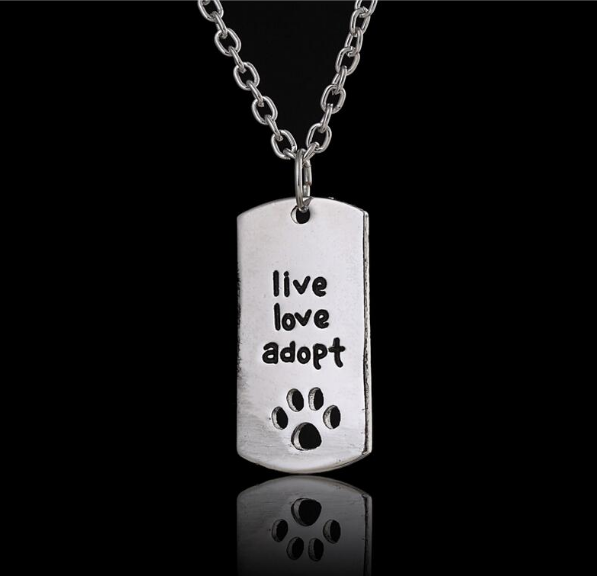 live love adopt ketting